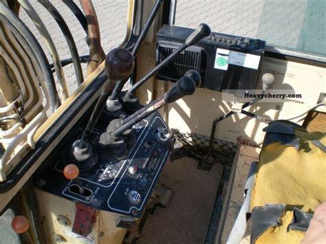 nissan  mini excavator  minikompact digger construction equipment photo  specs