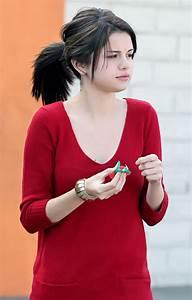 selena gomez in red dress | FASHIONGURU99