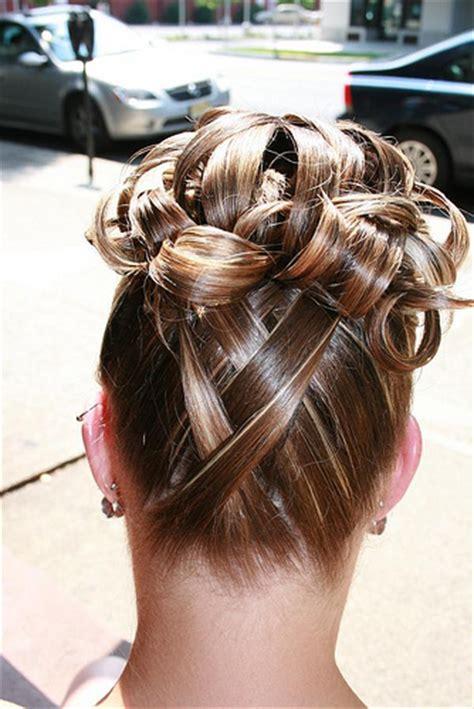 idee de coiffure le chignon pour les futures mariees