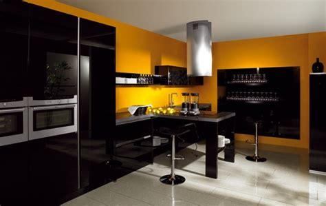cuisine mur jaune quelle couleur de mur pour une cuisine avec des meubles