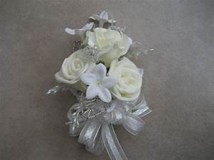 Bridal shower corsage wedding shower corsage for Corsage for wedding shower