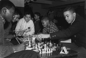 Chess Forum: A Vestige of the City that Loved Chess ...