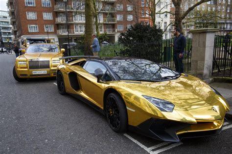 wie viel kostet ein lamborghini goldpreis wem geh 246 ren die gl 228 nzenden flitzer