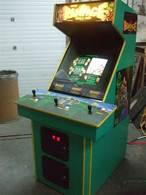Bally Midway Rampage World Tour 1996 3 Player Arcade Video
