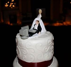 nerdy wedding cake toppers 5 - Unreality Mag