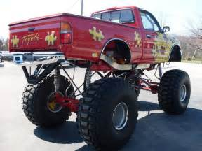 1981 TOYOTA 4X4 CUSTOM MONSTER TRUCK - 75489