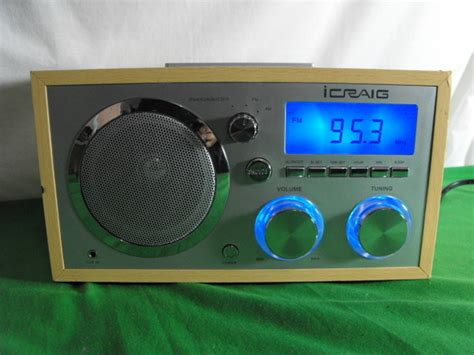 Icraig Cma3036 Ipod Dock Am Fm Alarm Clock Radio Wood Case