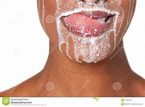 Nettoyer Du Cuir Avec Du Lait : femme avec du lait photo stock image du am ricain blanc ~ Melissatoandfro.com Idées de Décoration