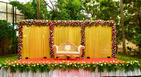 Outdoor Flower Decorations by Engagement Day Outdoor Decoration Partyyar