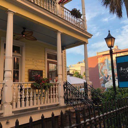 Porch Restaurant Charleston Sc by Poogan S Porch Charleston Downtown Menu Prices