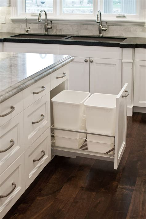 poubelle cuisine kitchen cabinet ideas modern angled cabinets wood arrangement creative organize