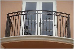 Front balcony steel grill design and stainless gallery for Front balcony