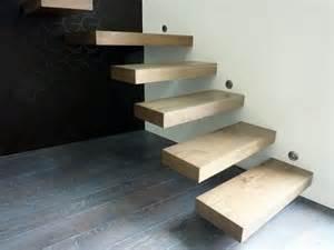 escalier design suspendu flottant