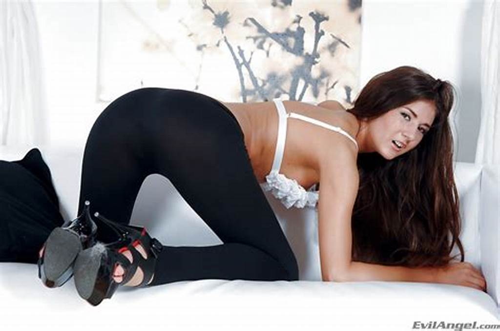 #Foxy #Cutie #In #Yoga #Pants #Strips #Down #And #Has #Some #Anal