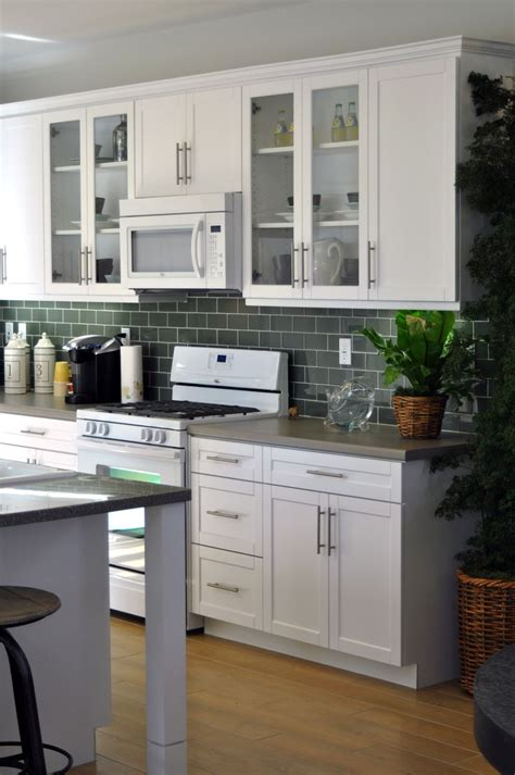 20+ Comely Modern Kitchen Cabinets