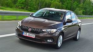 Fiat Tipo Test : fiat tipo 1 6 e torq lounge test testy i opinie o samochodach ~ Medecine-chirurgie-esthetiques.com Avis de Voitures