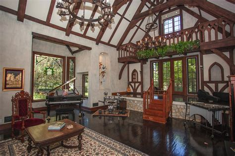 tudor homes interior design 19 modern tudor homes that give your jaw wide open homelilys decor