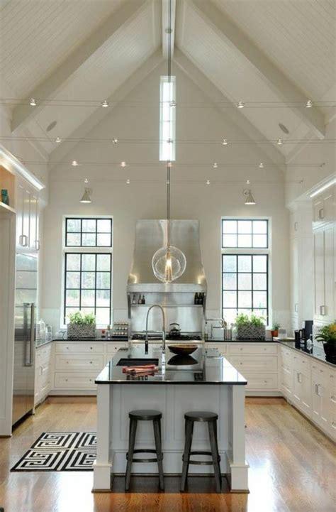 grande cuisine avec ilot central la cuisine avec ilot cuisine bien structurée et