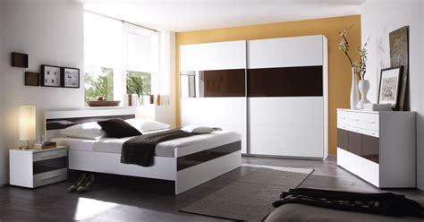 decoration de pour chambre chambre bleu marine et blanche