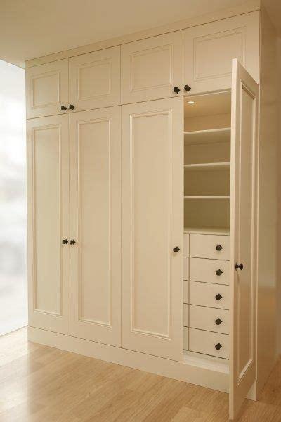 linear closet cute    built