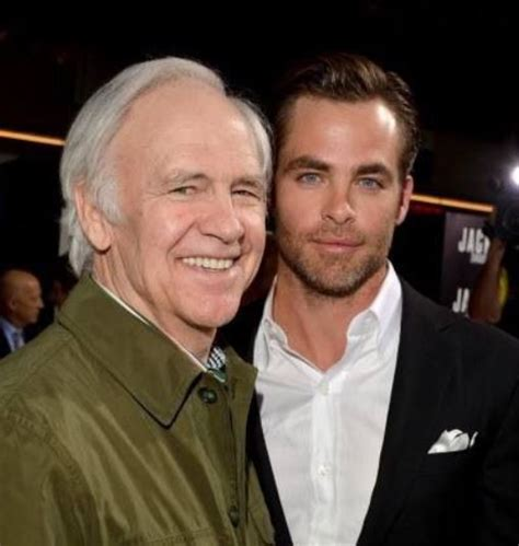 Chris Pine: Bio, family, net worth, wife, age, height, and ...