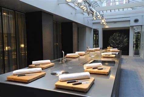cours de cuisine avec cyril lignac lifestyle l 39 esprit lignac atelier cuisine attitude