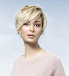 coupe de cheveux courte femme coupe courte tendance 2017 cheveux roux coiffure intéressante pour femme coiffure