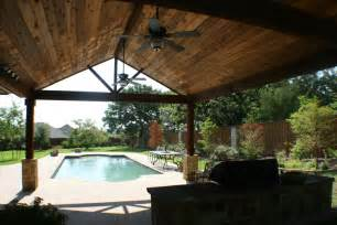 bravo to this covered patio and pergola combination in