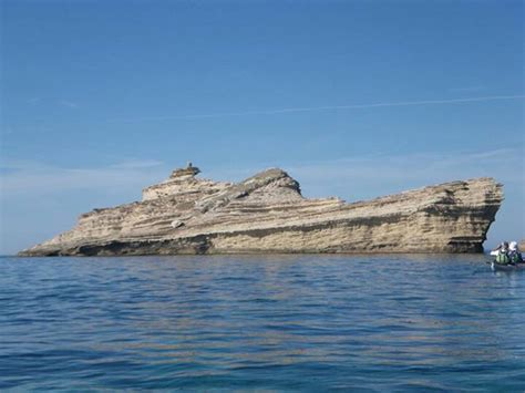 The Rock Boat by Picture Of The Day This Ship Rocks 171 Twistedsifter
