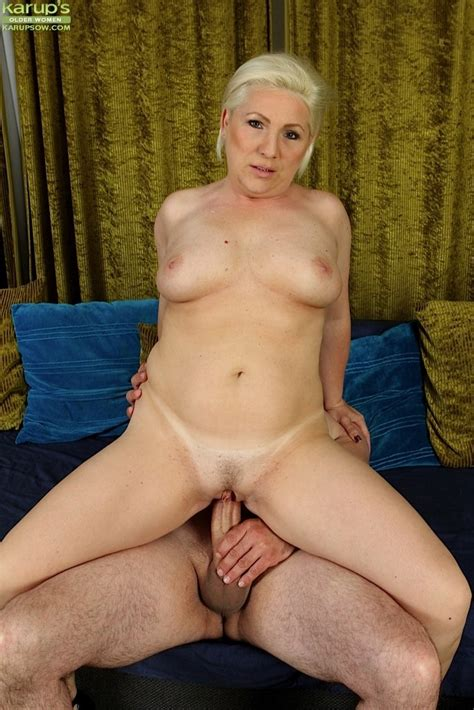Blonde Wife Netty Bounces Her Pussy On His Cock