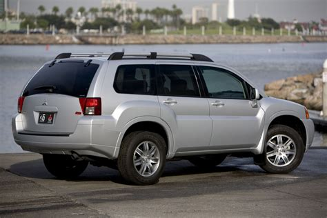 Buick Endeavor by 2015 Mitsubishi Endeavor Pictures Information And Specs