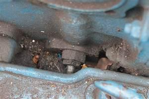 Ford 2000 Hydraulic Leak