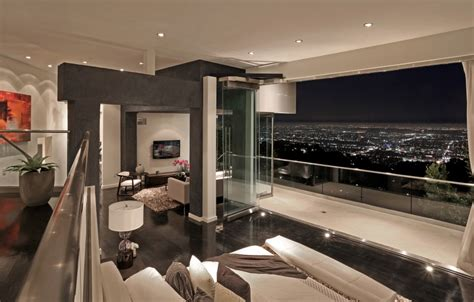 modern villa  sunset strip  stunning views