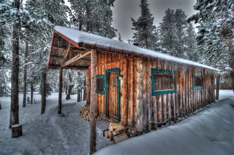 rustic cabin rentals oregon these rustic cabins in central oregon are the