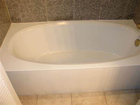 affordable bathtub  tile recoloring service helping