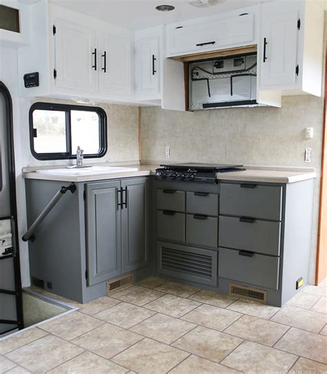 how do i paint kitchen cabinets painting travel trailer cabinets lifehacked1st 8434
