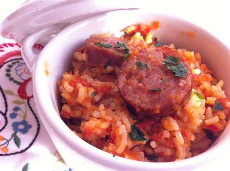 comment cuisiner des saucisses riz aux tomates comment le cuisiner