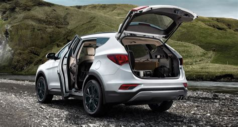 The Hyundai 2018 Santa Fe Sport In Sparkling Silver With