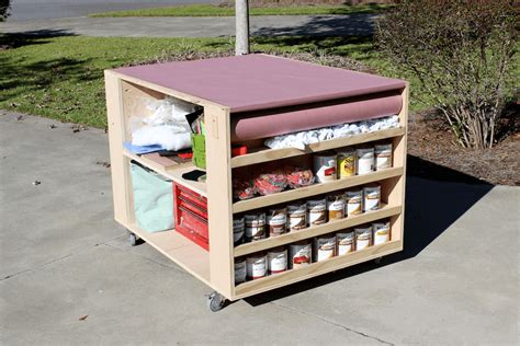 Movable Work Bench by Diy Portable Workbench With Storage Free Plans
