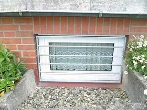 Gitter Für Fenster : kellerfenstergitter aus feuerverzinktem stahl ~ Lizthompson.info Haus und Dekorationen