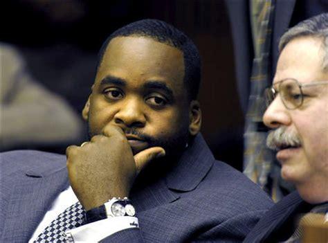 Fundraiser for ex-Detroit mayor admits tax crimes - mlive.com