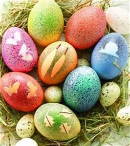 Eier Färben Mit Naturmaterialien : gesprenkelte eier zu ostern ~ Frokenaadalensverden.com Haus und Dekorationen