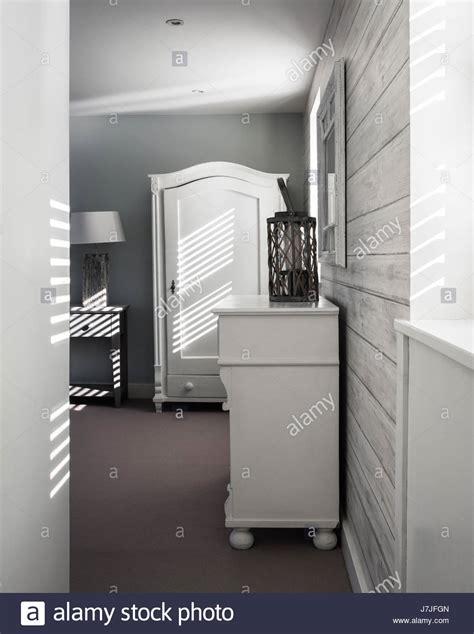 Holz Tapete Schlafzimmer by Licht Das In Schlafzimmer Mit Andrew Martin Holz Tapete