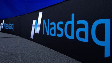 Nasdaq jumps to record high as tech stocks back in favour ...
