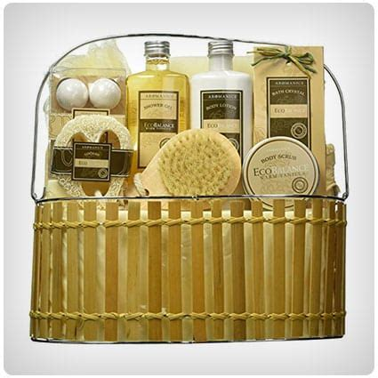 50 Spa Gift Baskets For Pampering And Relaxation  Dodo Burd. Chandelier Rectangular. Glass Display Cabinet. Modern Carport. Indoor Dog House. Home Design Websites. Modern White Dining Table. Bathroom Sink With Cabinet. Ethan Allen Frisco