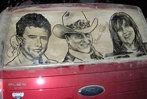 Nettoyer Plastique Voiture Tres Sale : art insolite oeuvres d 39 art sur vitres de voitures sales ~ Gottalentnigeria.com Avis de Voitures