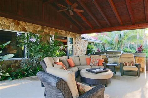 Tropical Outdoor Kitchen In Vista Tuscan Kitchen Lighting Flush Mount Ceiling Lights Panasonic Exhaust Fan How To Keep Clean Fluorescent Light Southern Los Gatos Menu Modern Paint Colors Island Work Table