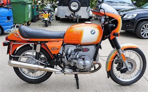 restored bmw rs  photographs  classic bikes