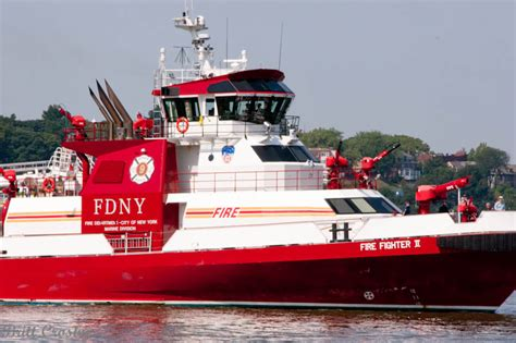 Nyc Fireboat Firefighter by New York Fdny Boats 10