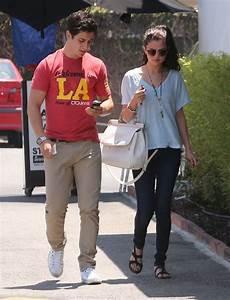 Selena Gomez in Hudson Collin Skinny jeans in Stella ...